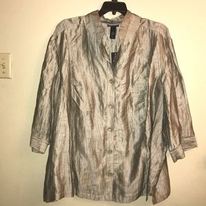 Maggie Barnes,beige blouse.size 5X or 34/36.
